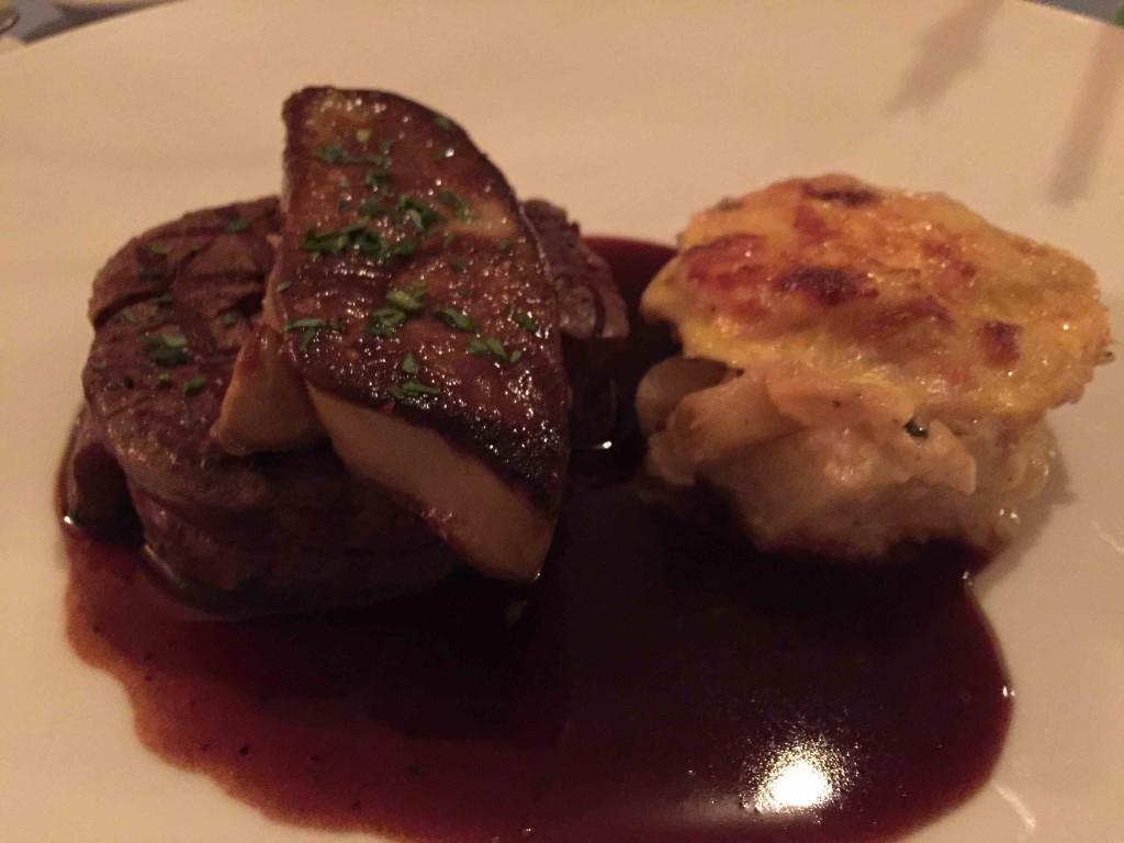 ステーキとフォアグラ